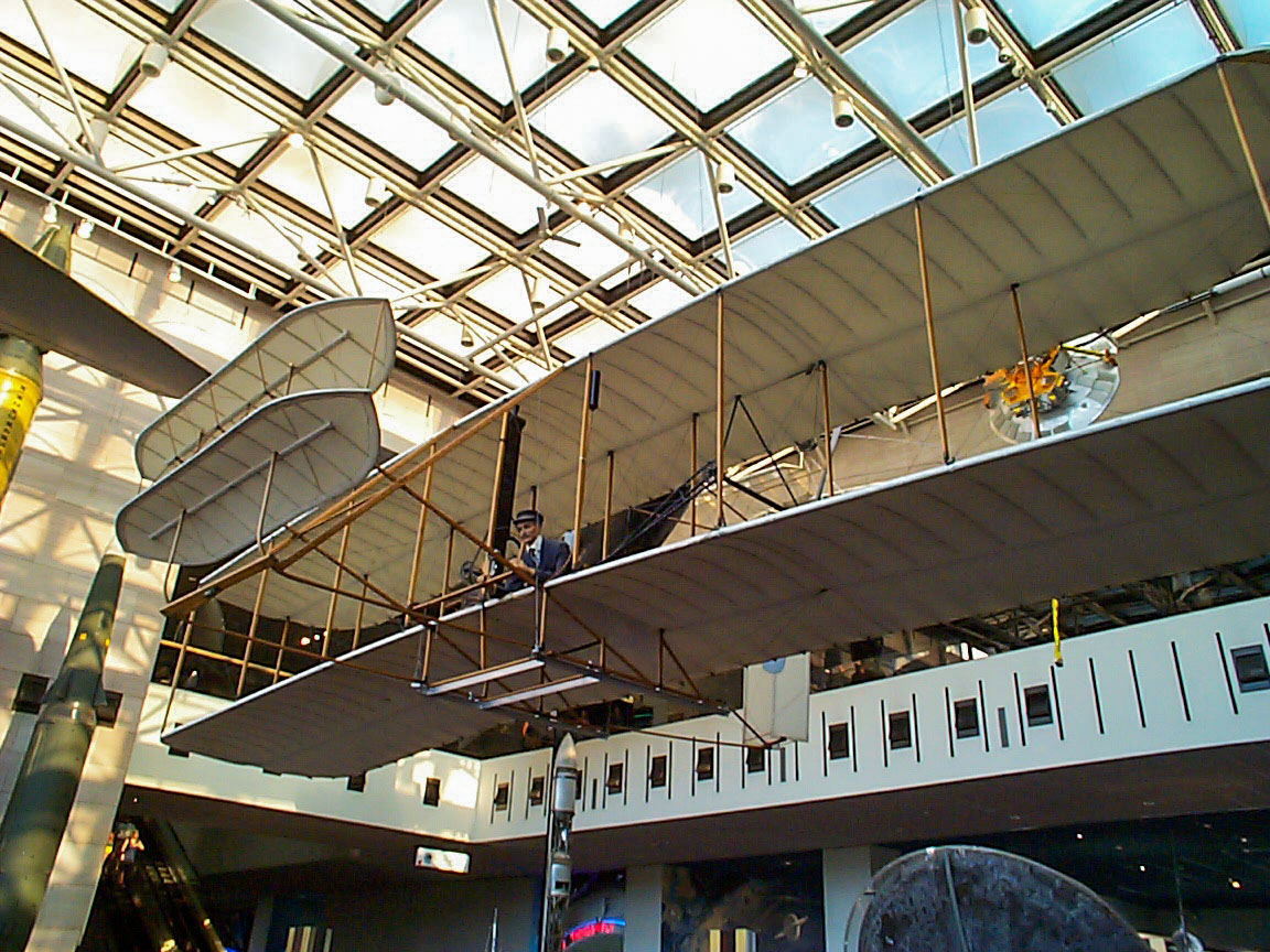 1903 Wright Flyer, National Air and Space Museum, Washington, 1999.  Click for next photo.