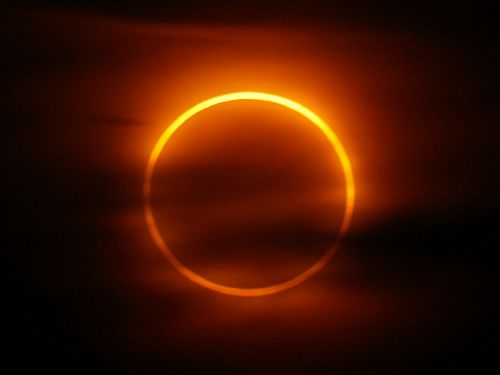 The peak of the annular eclipse at 4:04 a.m., May 31, 2003, Iceland. Exposure 2 seconds at f/8.