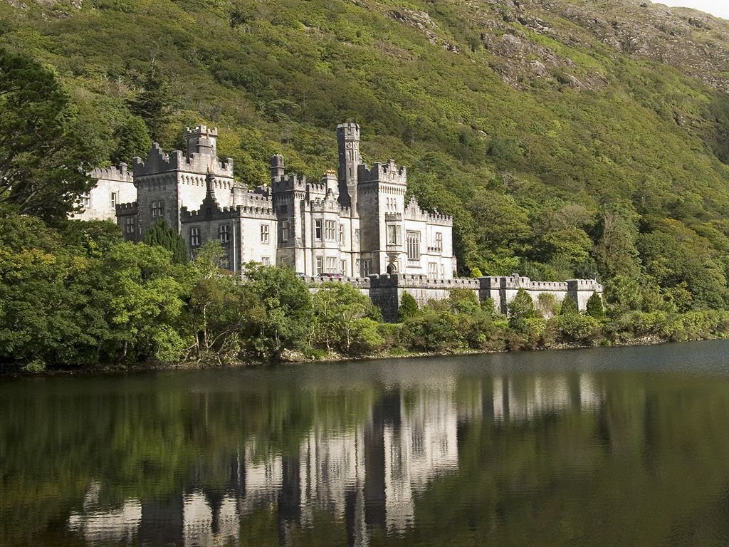 Kylemore Abbey, County Galway, Ireland 2005.  Click for next photo.