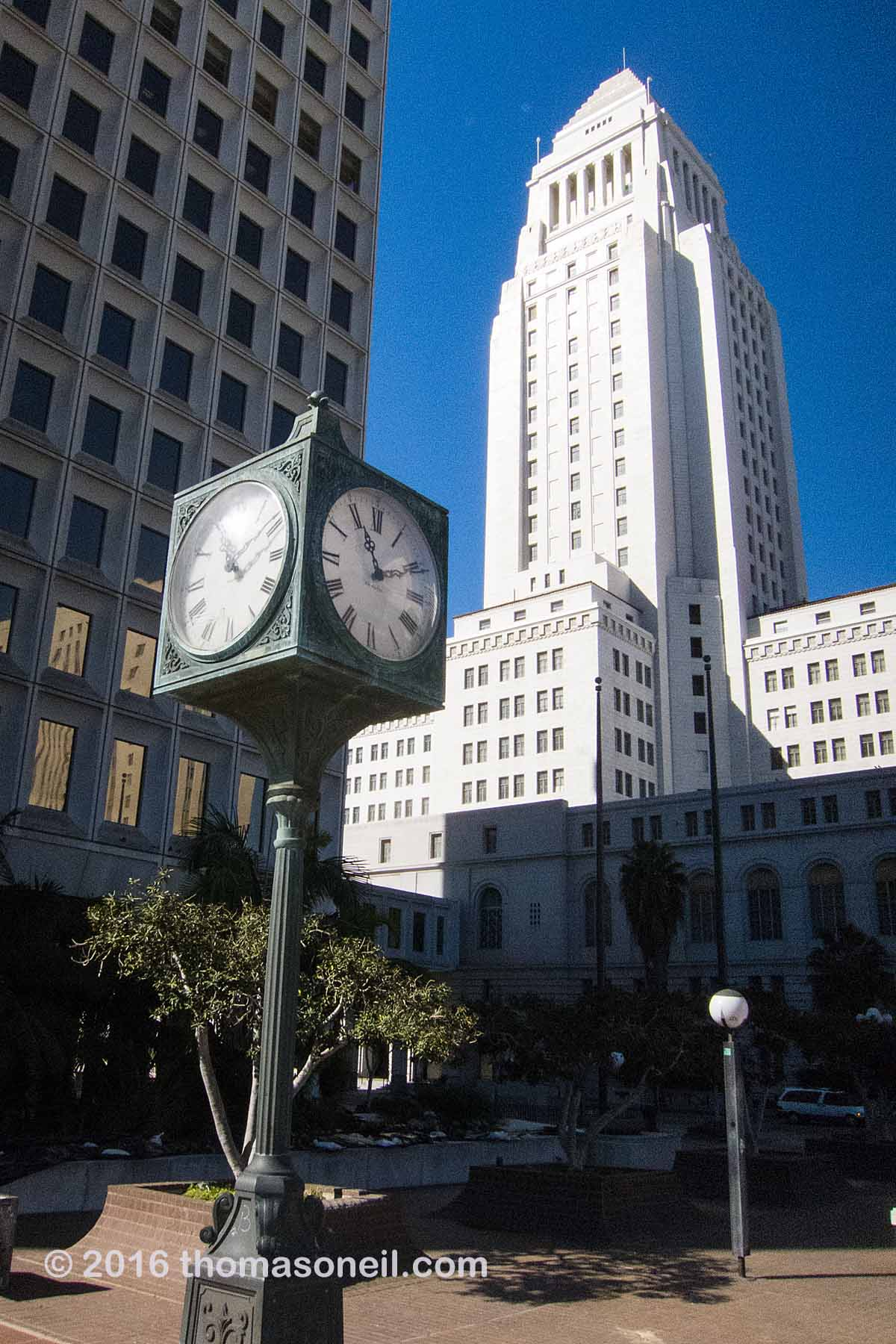 Another view of Los Angeles City Hall.  Click for next photo.